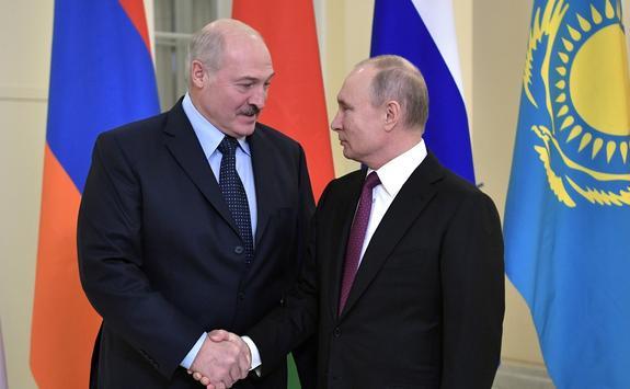 Лукашенко извинился перед Путиным за публичную дискуссию