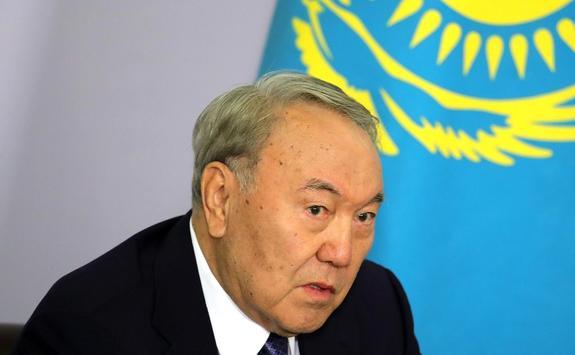 Назарбаев признался, что переживает за Украину
