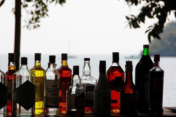 Импортеры алкоголя заявили о возможном дефиците продукции