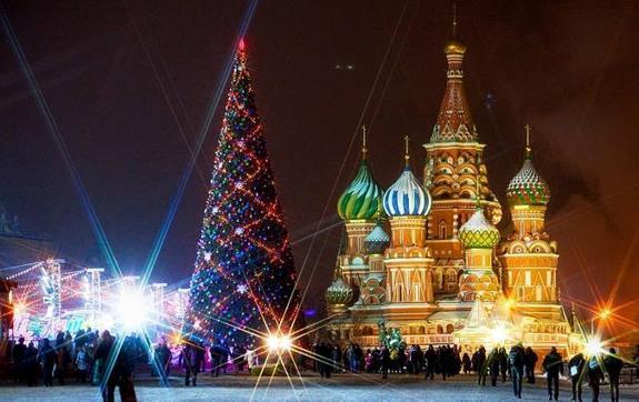 Городские площадки во всех округах Москвы готовы к встрече Нового года