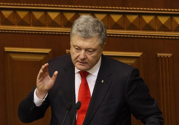 Политолог выявил единственный козырь Порошенко в борьбе за власть на Украине