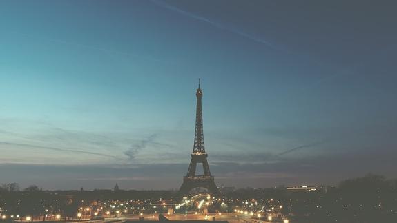 """Власти Парижа из-за акций """"желтых жилетов"""" в субботу выведут на улицы БТР"""