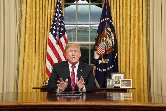 Эксперт оценил последствия возможного введения режима ЧП в США