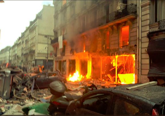 Le Figaro сообщает о 20 пострадавших при взрыве в Париже