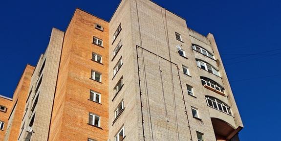 На крыше девятиэтажного жилого дома в Крыму взорвались газовые баллоны