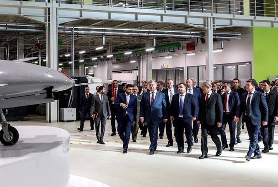 Порошенко расхвалил турецкие беспилотники, которые Украина закупит у Турции