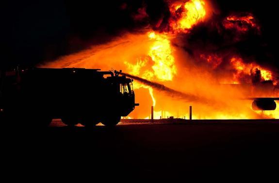 На Украине загорелся нефтехимический завод