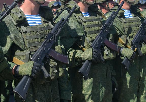 Масштабные учения десантников начались под Псковом