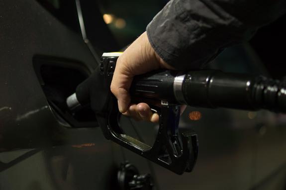 Эксперт: Необходимо отличать номинальную цену бензина