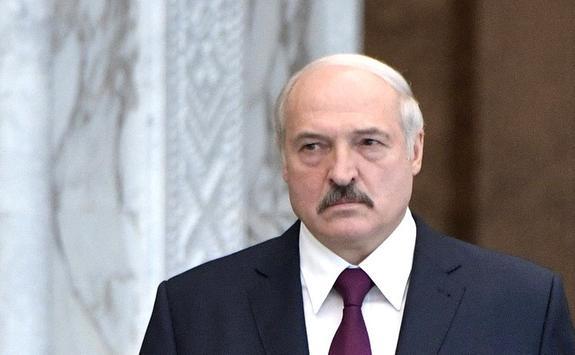 Лукашенко предостерег поляков от бряцания оружием