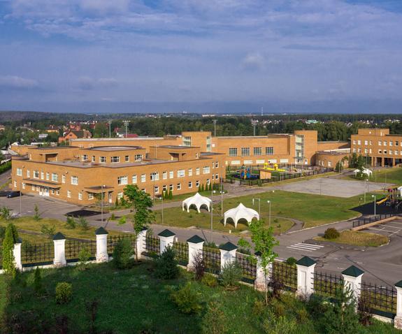 В гимназии, где учатся дети звезд, олигархов и чиновников обнаружен туберкулез