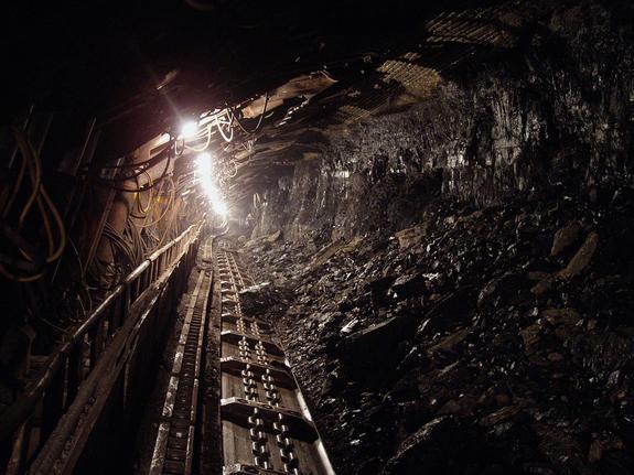 Один шахтер погиб при обвале на шахте в Кузбассе