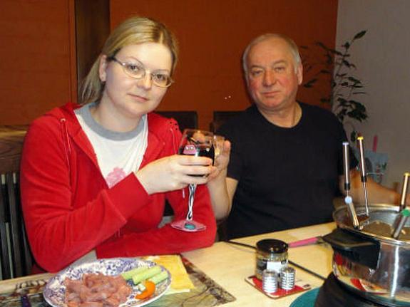 Мать Сергея Скрипаля попросила признать его и Юлию пропавшими без вести