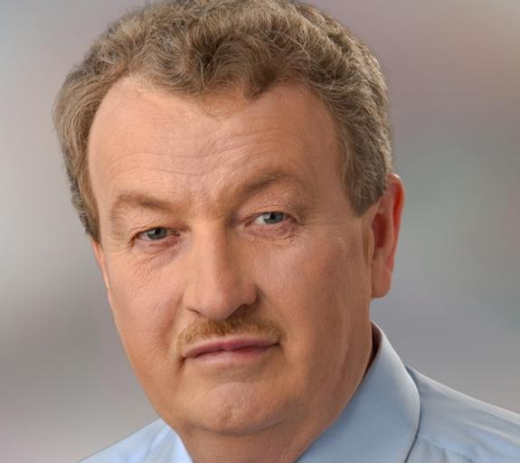 Анатолий Литовченко поздравил женщин с 8 марта
