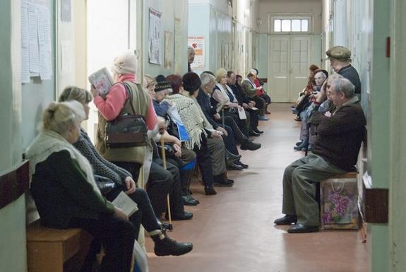 Время ожидания в сахалинских медучреждениях сократится вдвое