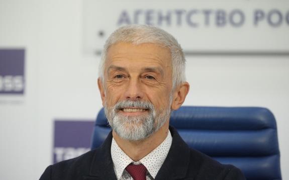 Бояков рассказал об увольнениях в МХАТе и о том, как на это реагирует Доронина