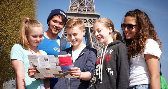 В результате толерантности французские школьники потеряли отцов и матерей