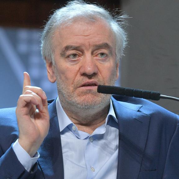 Владимир Гергиев призвал власти изучить театры