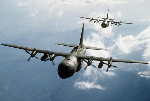 Стратегический бомбардировщик B-52 ВВС США замечен вблизи российских границ