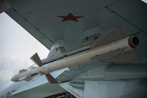 Видео, как российские  Су-27 отогнали  бомбардировщик ВВС США, подлетавший к границе РФ