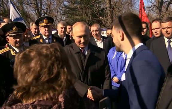 Путин встретился с греками в Севастополе