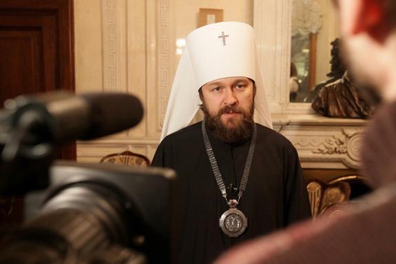 В РПЦ считают, что чиновник в России должен получать зарплату как средний бюджетник