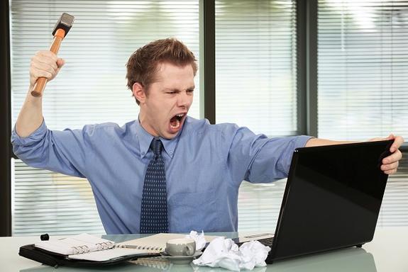 Компьютер боится кривых рук