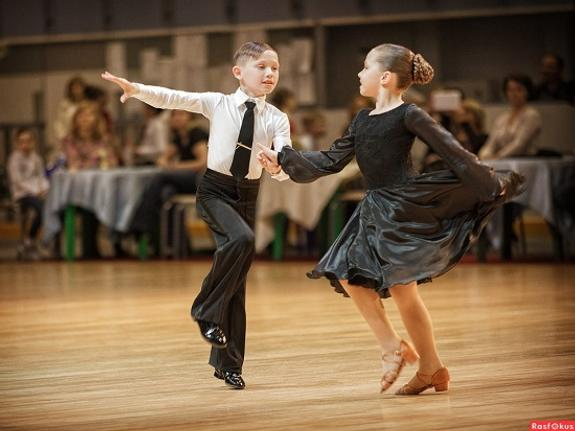 Бальные танцы помогают выстраивать отношения