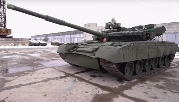Под Петербургом на видео попал танк, стреляющий дровами