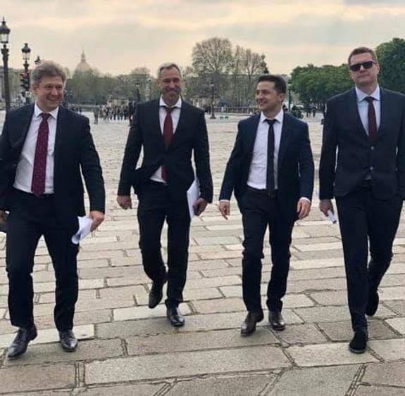 Зеленский признает Донбасс?