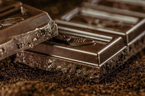 Сладкая помощь: как сохранить слух с помощью шоколада