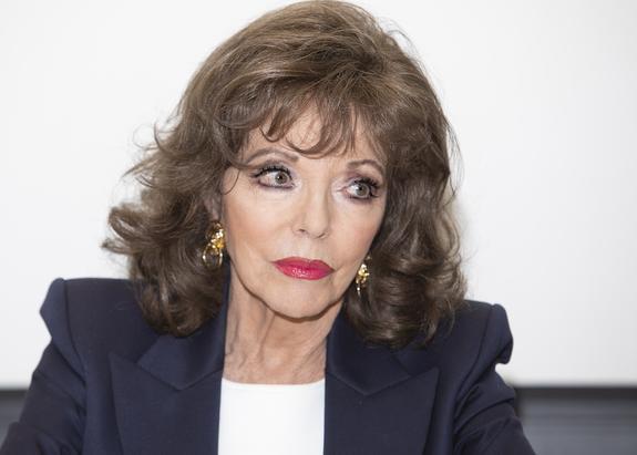 85-летняя актриса Джоан Коллинз чудом уцелела в страшном пожаре