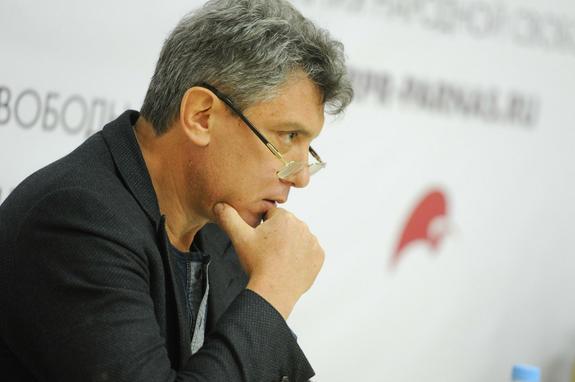 Андрей Караулов раскрыл вероятное происхождение богатства политика Бориса Немцова