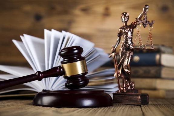 """Любитель """"клубнички"""" подал в суд на родителей. Они выбросили коллекцию игрушек для взрослых стоимостью 86 тыс. долларов"""