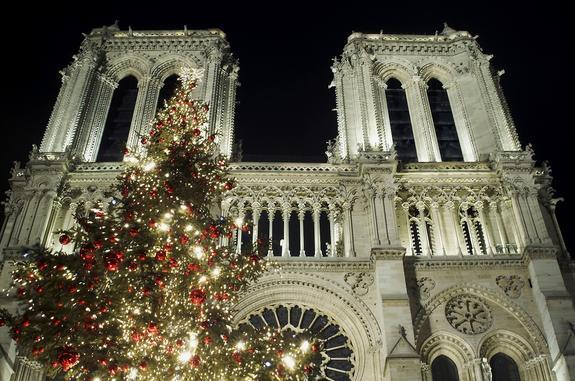 Лужков прокомментировал пожар в соборе Парижской Богоматери