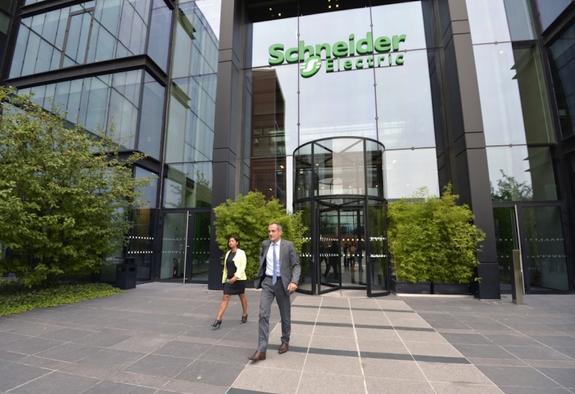 Французский гигант Schneider Electric инвестирует в Россию