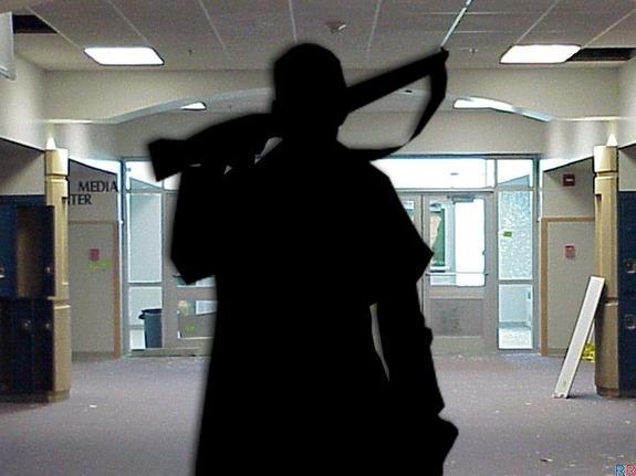 """Фанатка парня, устроившего стрельбу в Керчи, собиралась повторить """"подвиг"""" в московской школе. Готовилась серьезно"""
