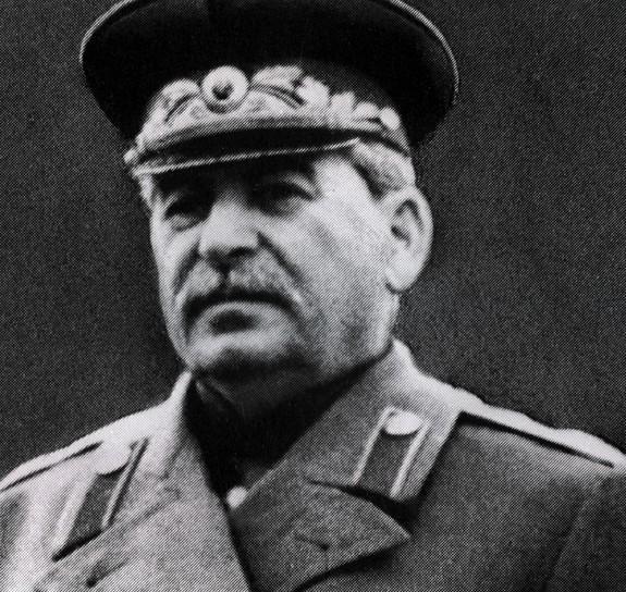 Немного россиян  хотели бы жить  при  Сталине, при Брежневе побольше