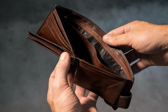 Социолог: Нужно увеличивать минимальный размер оплаты труда