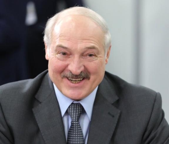 Лукашенко заявил, что исход выборов не повлияет на отношения с Украиной