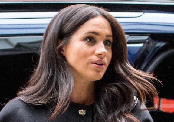 Поклонники британской королевской семьи подозревают, что герцогиня Меган уже родила