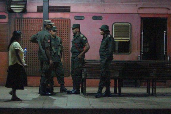 СМИ: количество погибших при взрывах на Шри-Ланке достигло 160