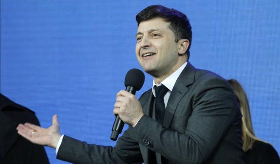 Зеленский собрался решать конфликт в Донбассе при помощи информационной войны