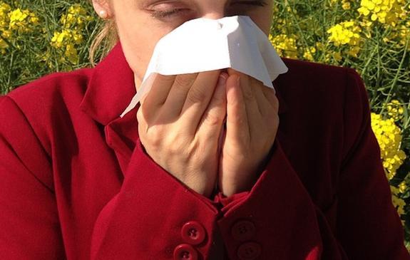 Роспотребнадзор назвал эффективные способы борьбы с сезонной аллергией