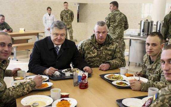 Депутат предложил обмен: Порошенко вместо украинских моряков