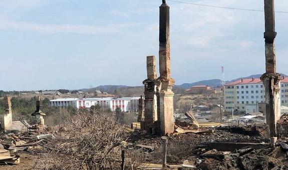 Пожар оставил без жилья три десятка островитян