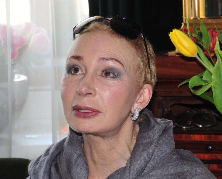 72-летняя Татьяна Васильева сразила поклонников стильным нарядом и стройной фигурой