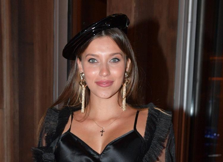 Регина Тодоренко показала фигуру в бикини после родов
