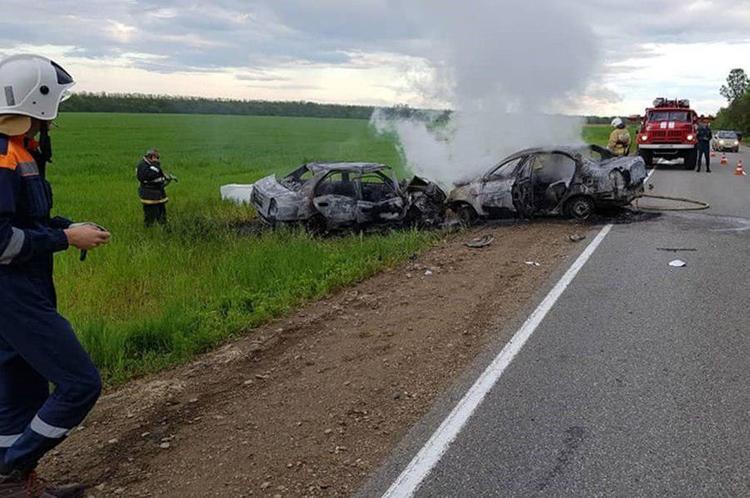 В Сети появилось видео крупной аварии. От столкновения в машине погибли комики проекта Stand Up