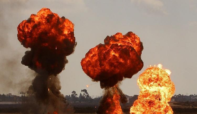 Израиль нанес около сотни авиаударов по сектору Газа